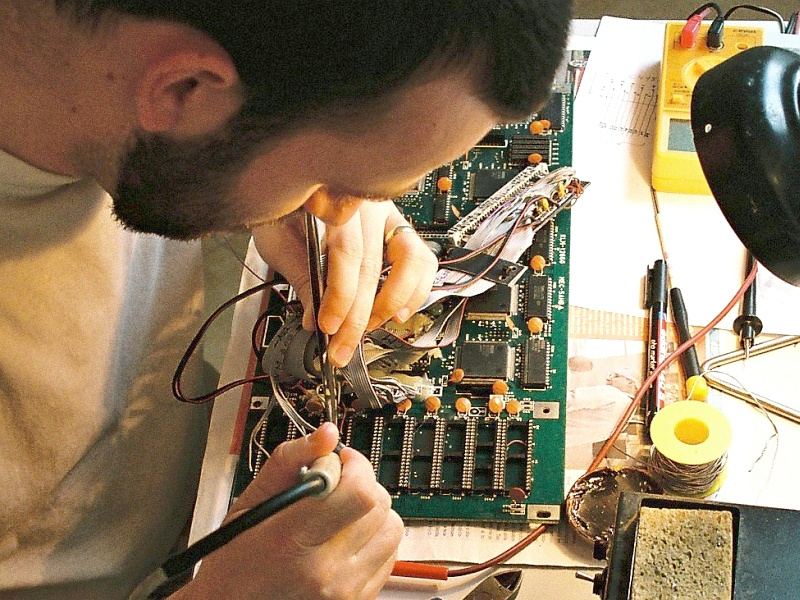 I when soldering the wiring - connecting the KORG M1 motherboard and the connector for the plug-in memory module